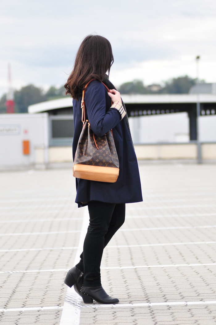 Louis-Vuitton-Vintage-Noe-Burberry-Trench_1