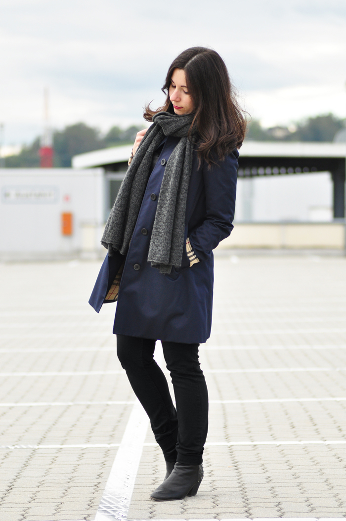 Louis-Vuitton-Vintage-Noe-Burberry-Trench_4