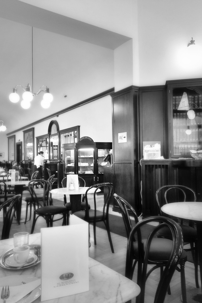Wien-Kaffeehaus_Flair