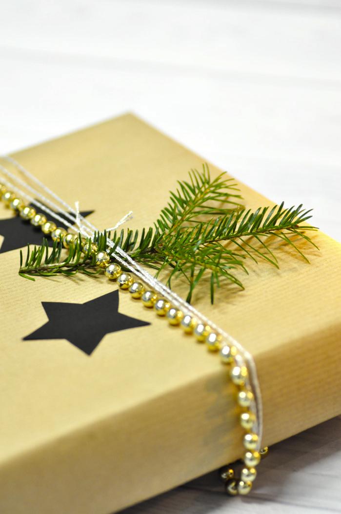Gift-Wrapping-Christmas-Geschenke-verpacken-2
