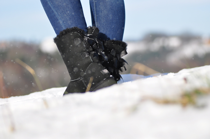 outfit winter uggs mit schleife rayban cats sonnenbrille 5