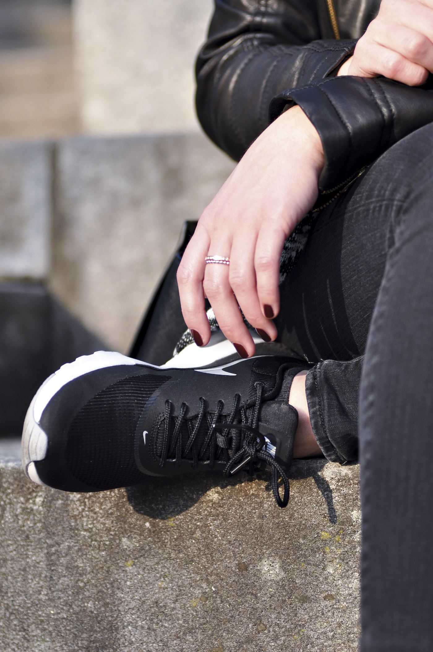 Nike Air Max Thea Sneaker Schwarz | www.mymirrorworld.com