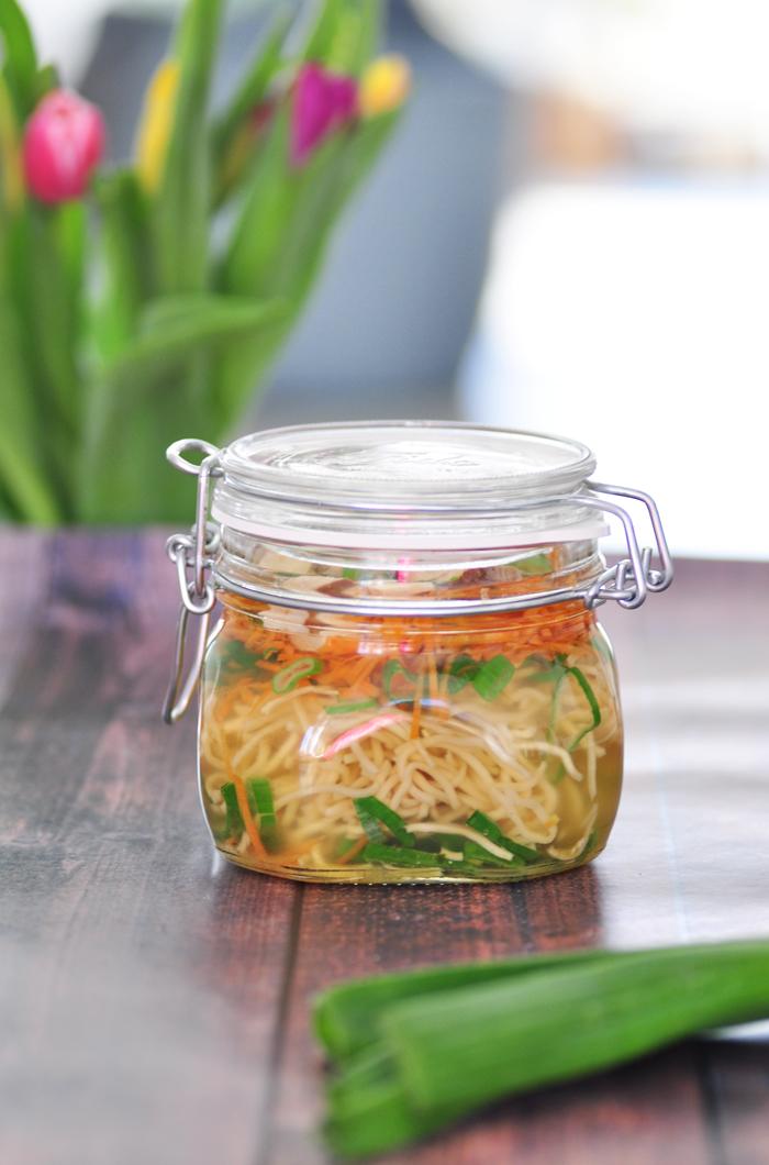 gesundes Essen zum Mitnehmen ins Buero Healthy Instant Noodles 4
