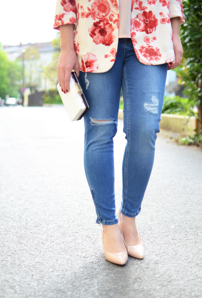 Kaputte Jeans kombinieren