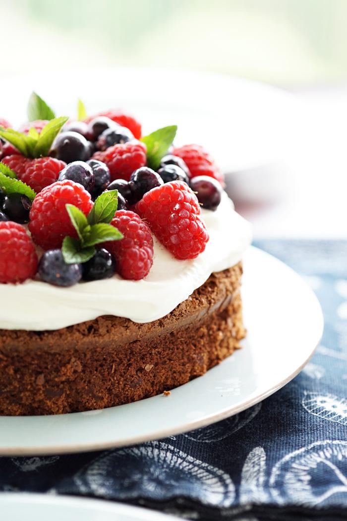 Einfacher Schoko Beeren Kuchen Rezept