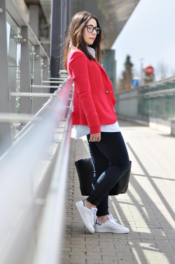 How to style adidas stan smith white sneaker
