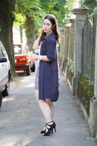 Wie kombiniert man ein Blusenkleid