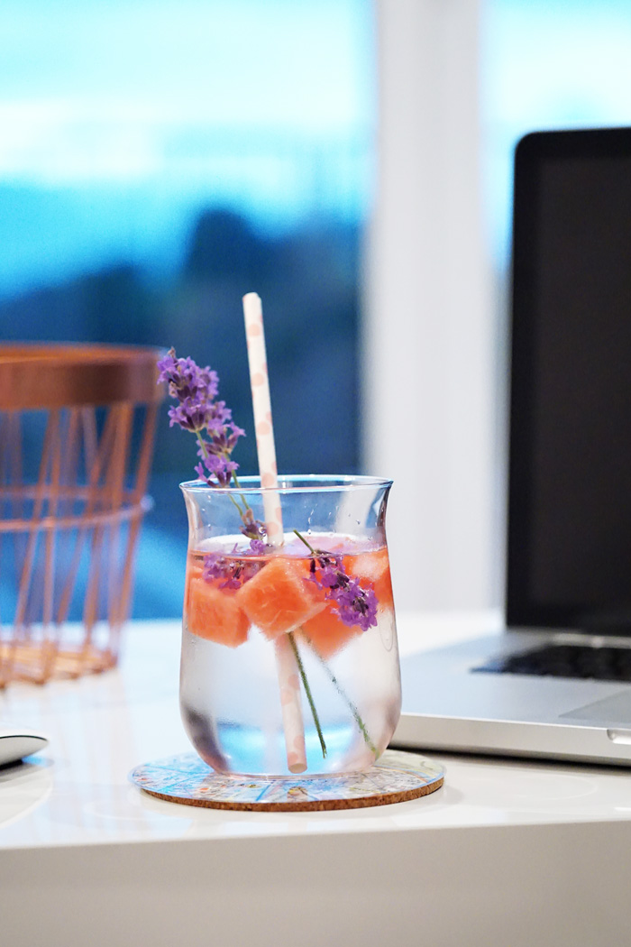 Office Drink Infused Water Melone Lavendel 2