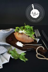 Suesskartoffel aus dem Ofen mit Ruccola