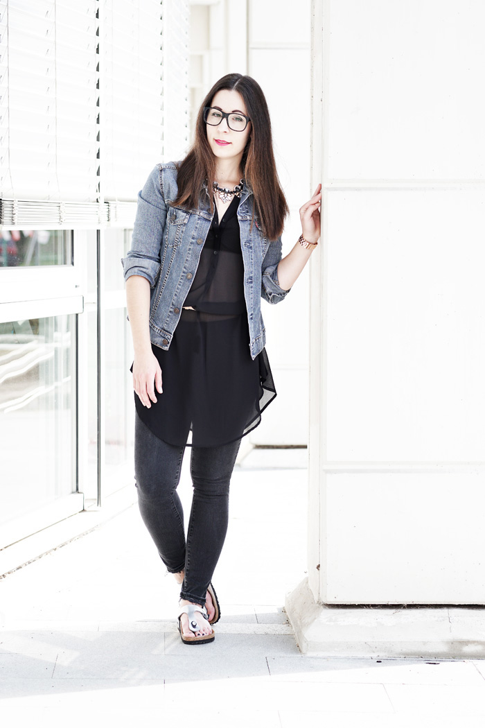 Birkenstock-Gizeh-Silber-Outfit