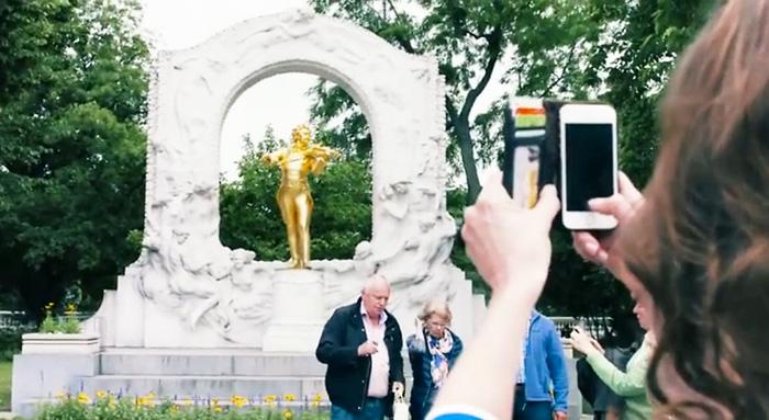 annemieke_stadtpark-johann-strau·-statue