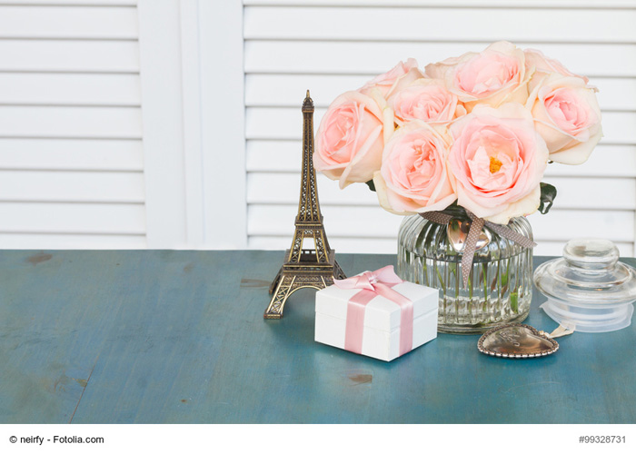 Pink roses with heart and gift box for Valentines day with empty copy space