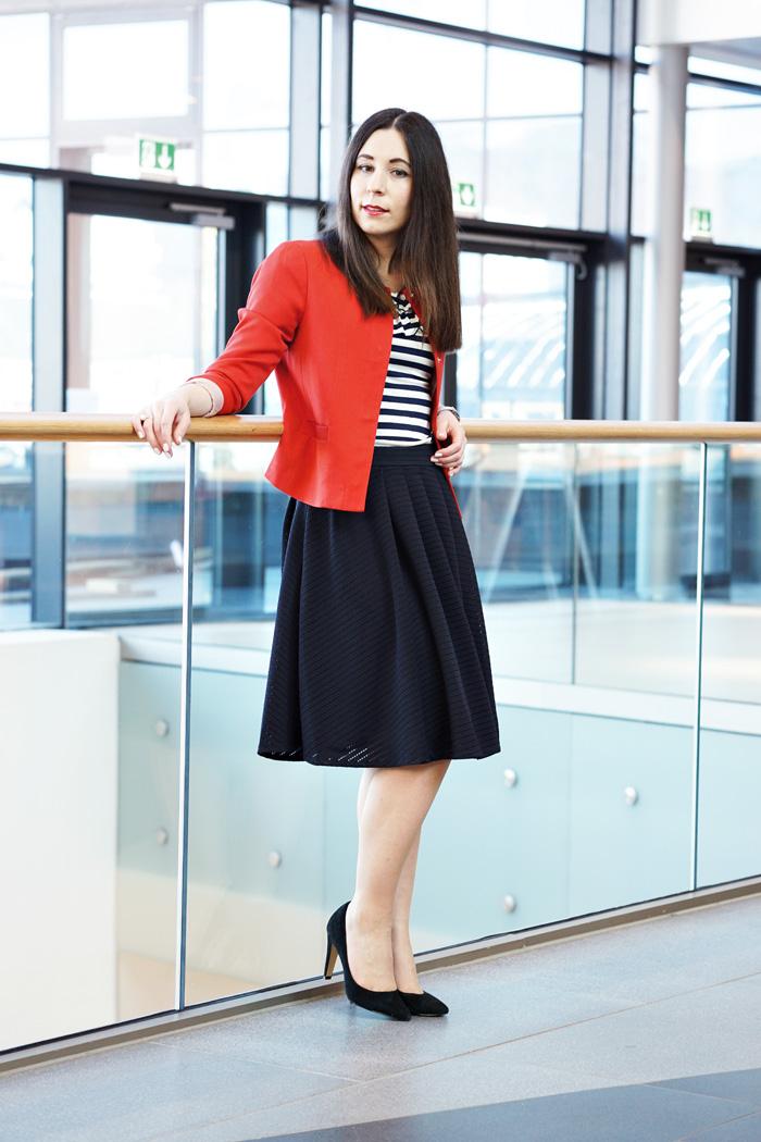 outfit midirock streifenshirt 3