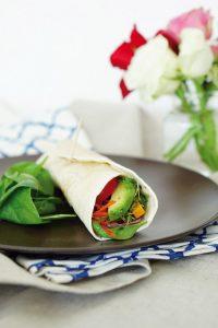 Gesundes Fastfood schnelle Wraps mit Gemuese 3