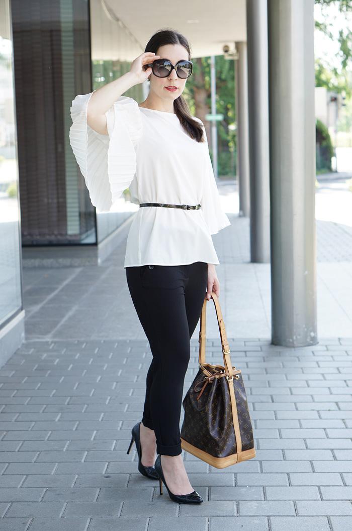 Plissee Bluse mit weiten Aermeln Modeblog Oesterreich 5