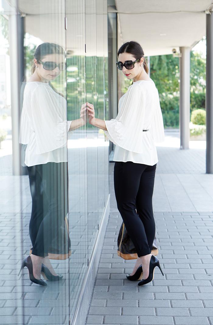 Plissee Bluse mit weiten Aermeln Modeblog Oesterreich 6