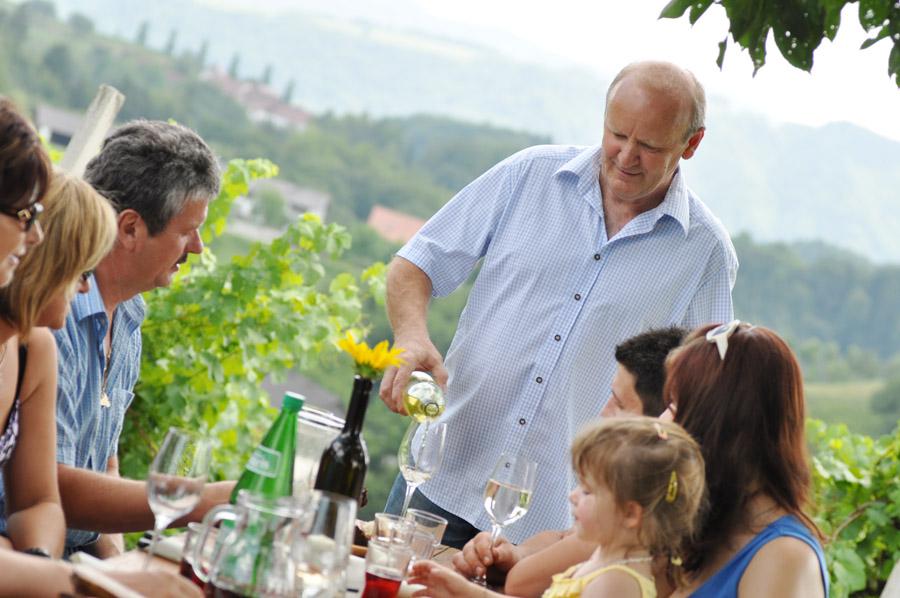 Buschenschank Empfehlung Suedsteiermark Reschkeller Weinbau Zeck 14