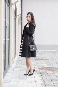 Outfit Trenchcoat Streifenrock my mirror world Modeblog 5