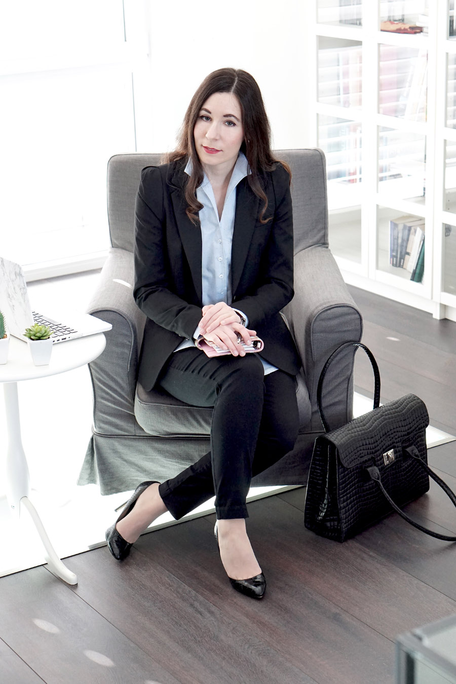 Business Style: Eine Bluse, zwei Outfits. Mit der Bluse von Eterna.