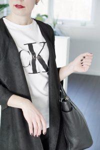 Logo Shirt – wie man sie styled und traegt