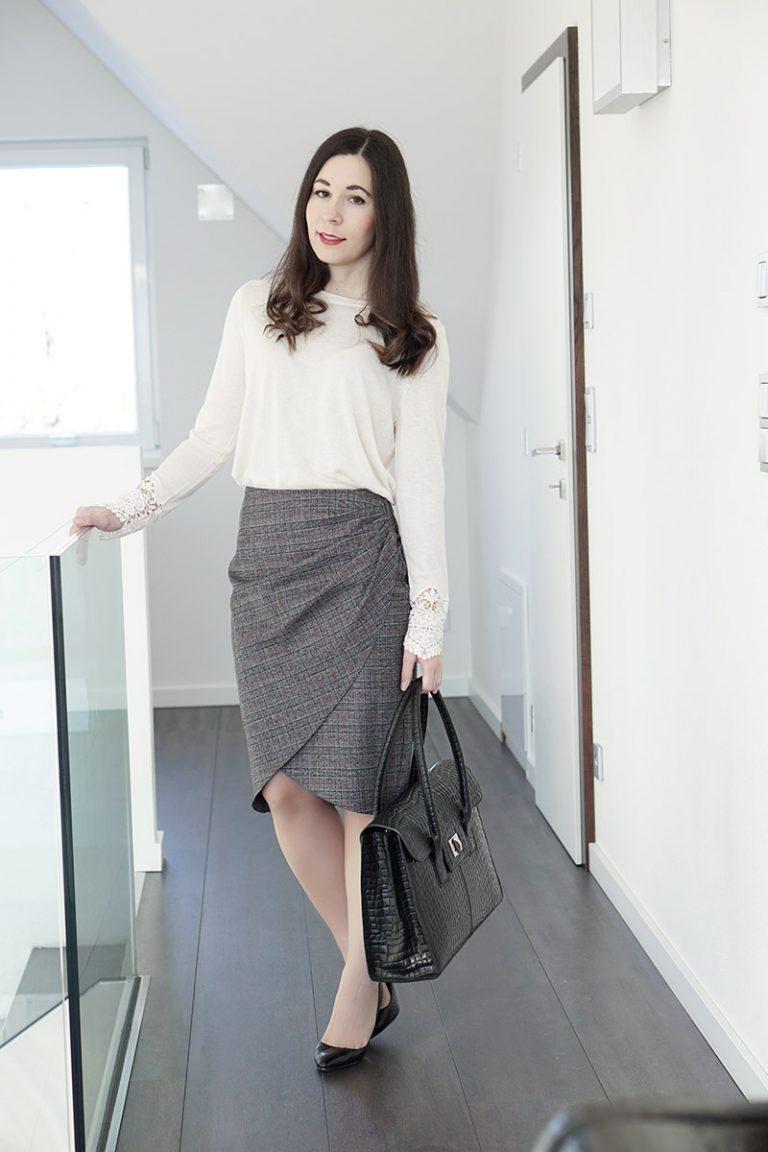 Business Outfit Bleistiftrock und Pullover mit Spitze 2