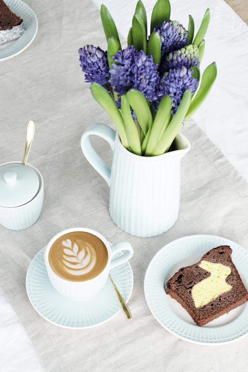 Osterhasen Kuchen mit Geschirr von Greengate Ediths 3