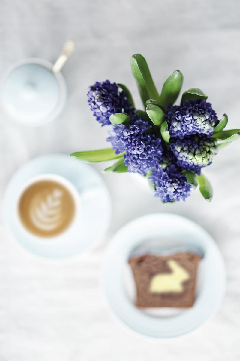 Osterhasen Kuchen mit Geschirr von Greengate Ediths 4