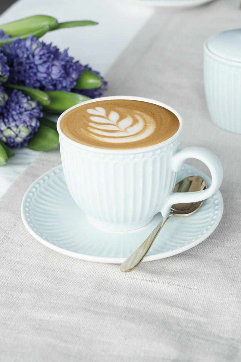Osterhasen Kuchen mit Geschirr von Greengate Ediths Latte Art