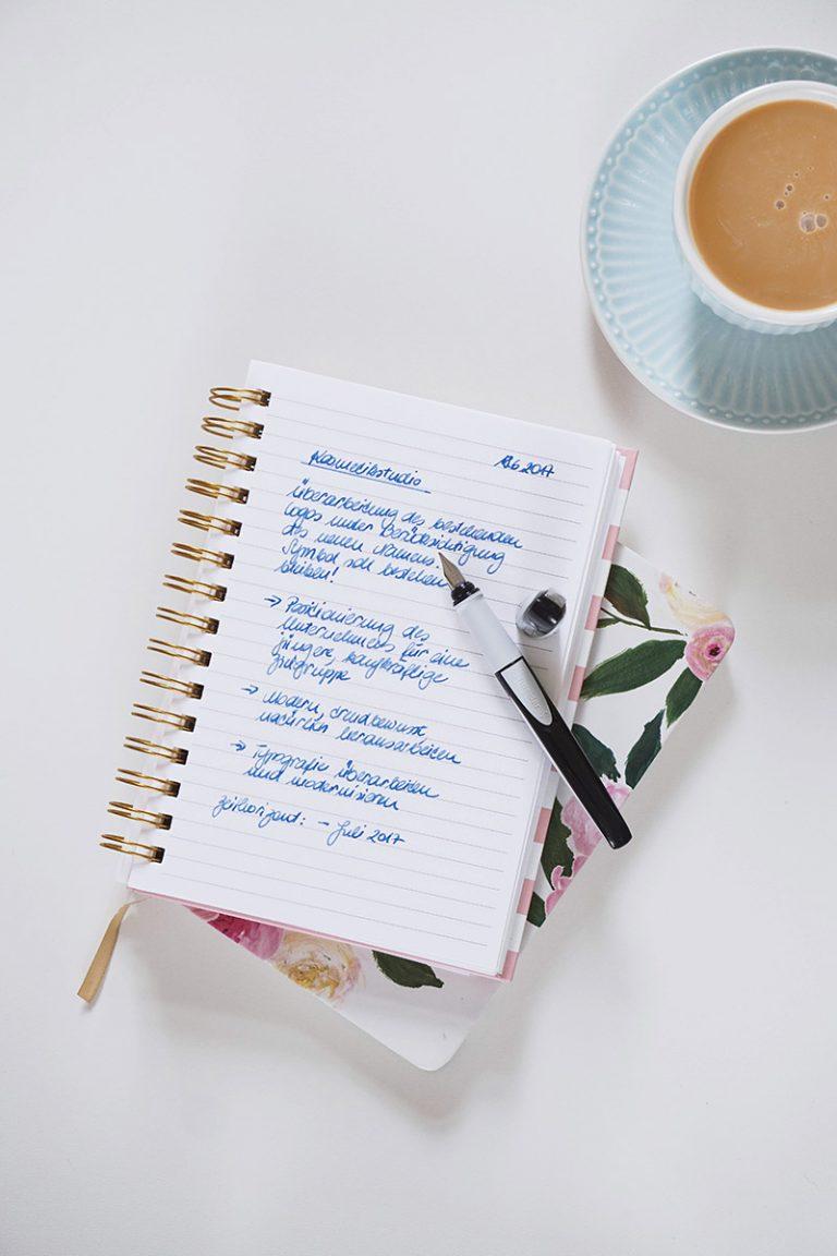 Handschriftliche Notizen mit Ray von Schneider Schreibgeräte