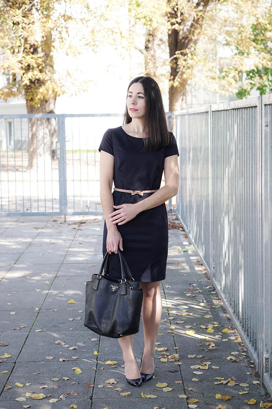 1 Teil 3 Outfits So Kannst Du Dein Etuikleid Kombinieren My