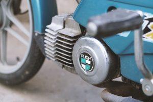 Altes Maxi Moped herrichten. Dinge, die auch als Erwachsener Spaß machen.