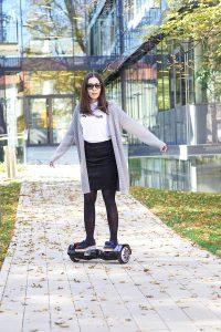 Dinge, die auch als Erwachsener Spaß machen. BatWings Hoverboard-von AlienBoard mit Bluetooth Lautsprecher