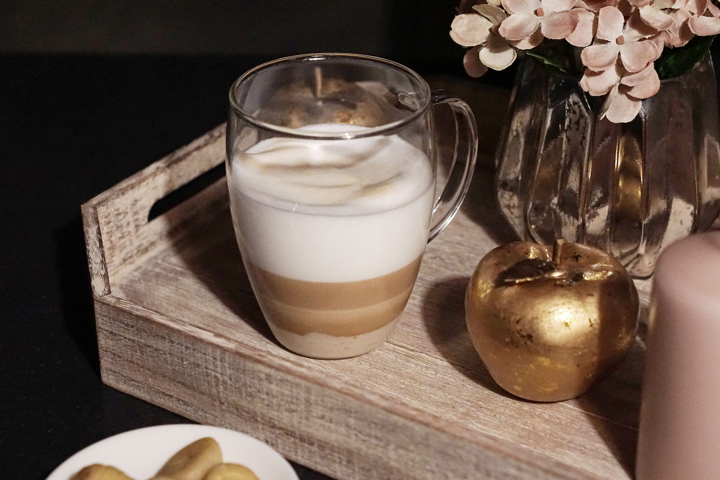Herbst in der Tasse: So kannst du Chestnut Latte selber machen. Super leckerer Maroni Caffé Latte
