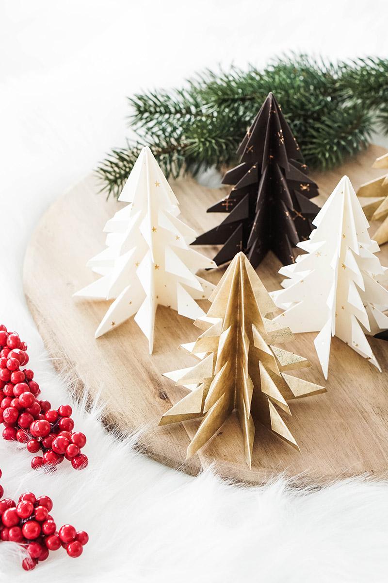DIY Weihnachtsdeko – Origami Christbäume falten – DIY Weihnachtsschmuck selbstgemacht.jpg