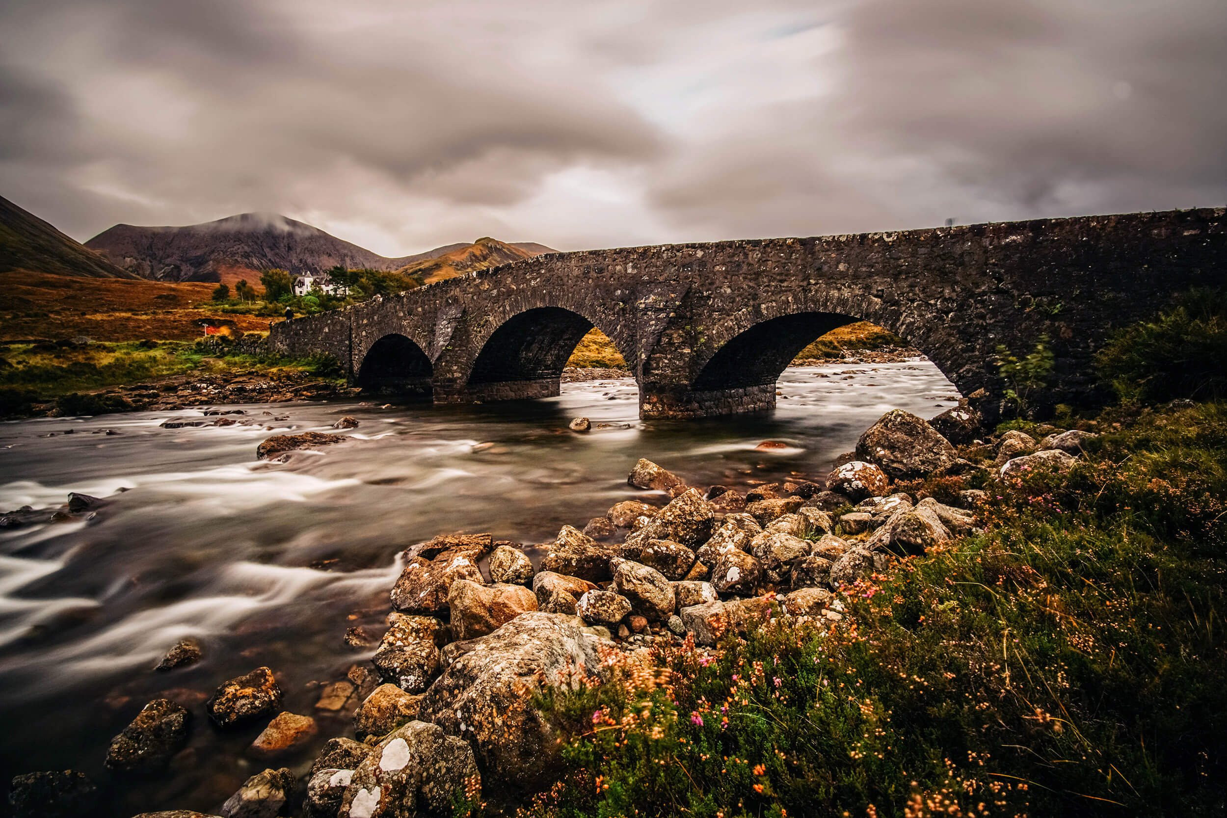 Mit dem Auto durch Schottland – Isle of Skye Old Sligachan Bridge Portree