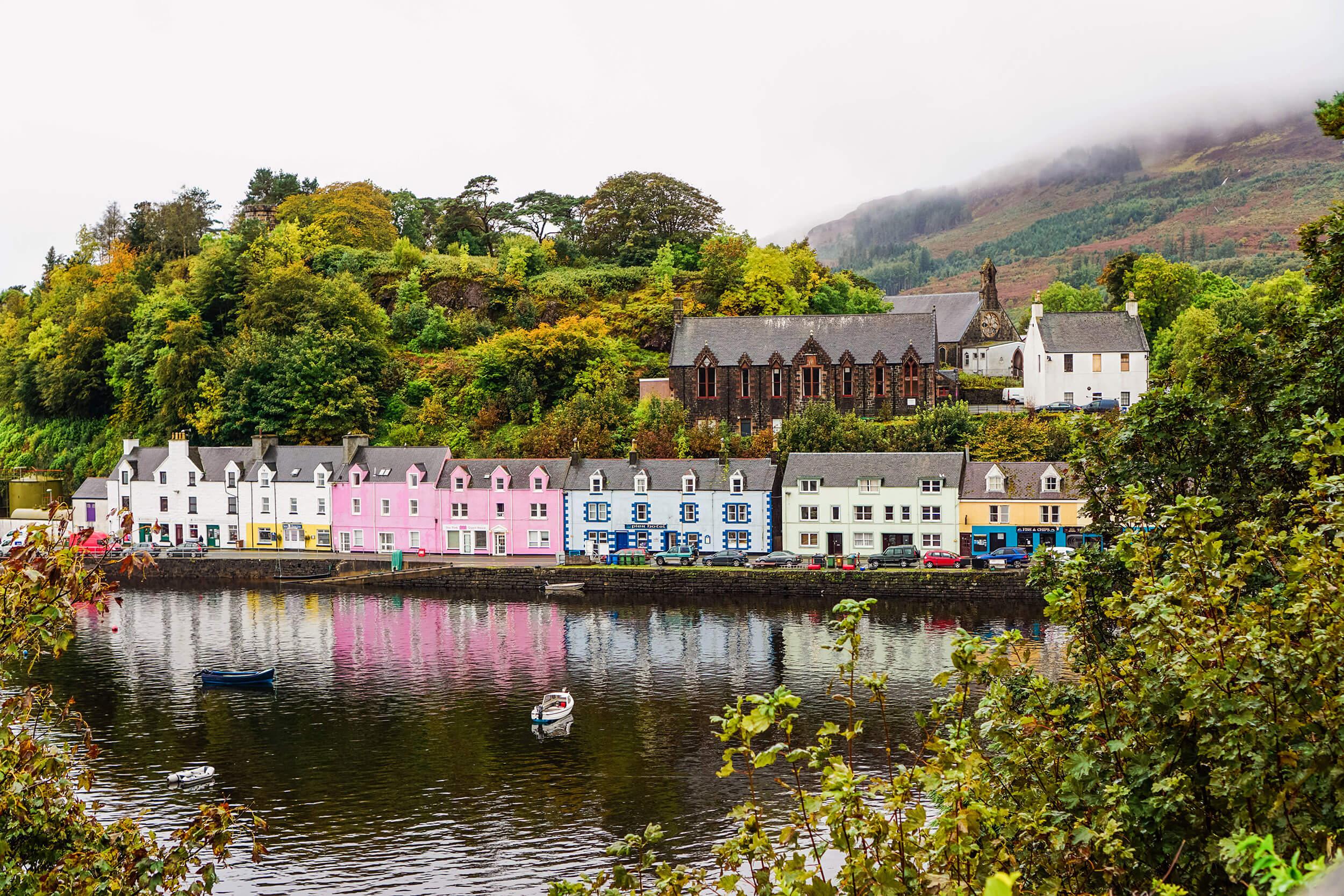 Mit dem Auto durch Schottland – Isle of Skye Portree
