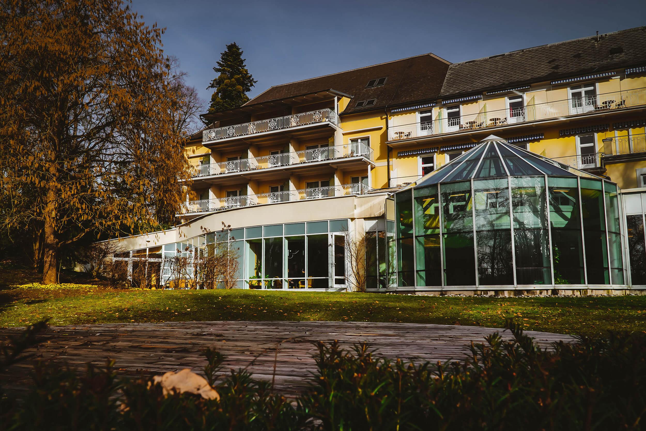 Waldbaden und ganzheitliche Wellness im Eurothermen Hotel Miraverde