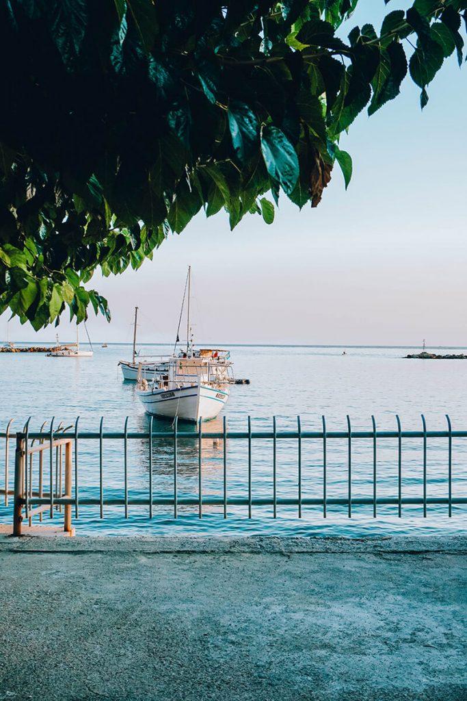 Der Hafen von Skopelos, einer kleinen griechischen Insel